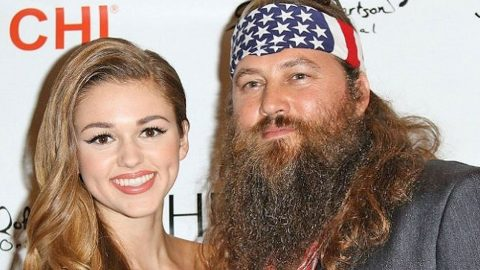 Sadie Robertson Shares Throwback Picture Of Willie That Has Her 'Freaked Out' | Country Music Videos