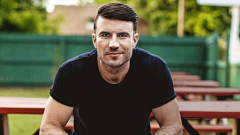 Country Superstar Sam Hunt Debuts New Hairstyle That Has Fans Buzzing | Country Music Videos