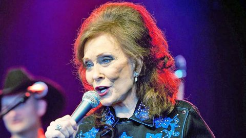 Loretta Lynn Needs Surgery After 'Serious' Fall, Cancels More Shows | Country Music Videos