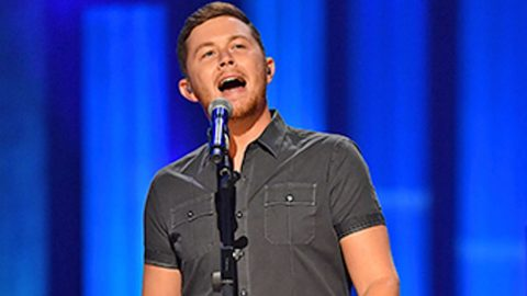 Scotty McCreery Dazzles The Crowd With Wonderful Cover Of George Jones' 'The Grand Tour' | Country Music Videos