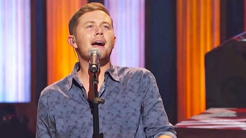 Scotty McCreery Mashes Multiple Country Classics Into One Rockin' Medley | Country Music Videos