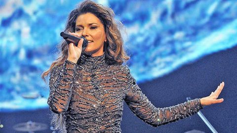 Find Out What Is On Shania Twain's List Of Demands | Country Music Videos