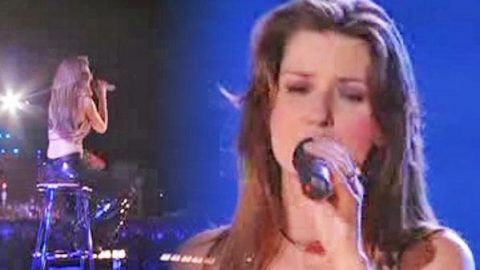 Shania Twain – It Only Hurts When I'm Breathing (LIVE) | Country Music Videos