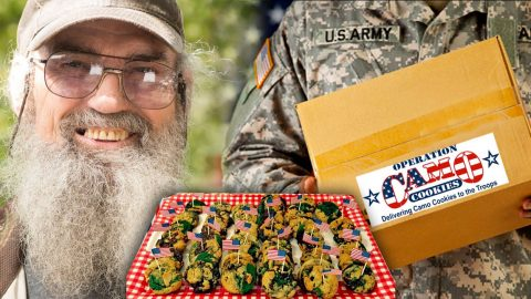 Uncle Si Supports Our Troops With 'Operation Camo Cookie' | Country Music Videos