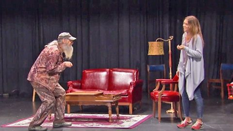 Sadie And Si Robertson Drag Willie To Their Acting Class. What Happens Next? HILARIOUS! | Country Music Videos