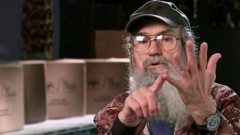 Uncle Si Makes Startling Confession In New Book | Country Music Videos