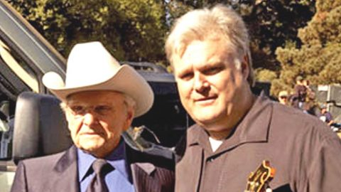 Ricky Skaggs Reacts To The Death Of His 'Hero' Ralph Stanley | Country Music Videos