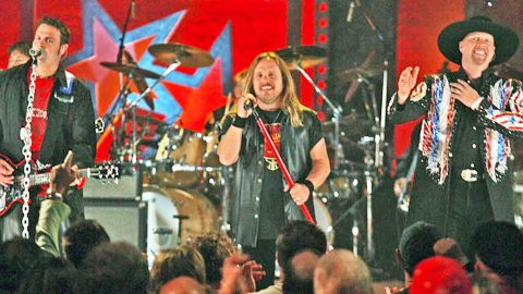Two Major Southern Rock Groups Collide On 'Gimme Back My Bullets.' The Result? MIND-BLOWING!   Country Music Videos