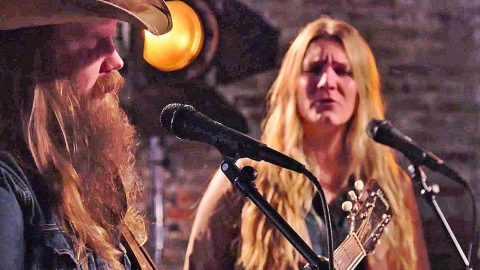 Chris Stapleton & Wife Give Unforgettable Duet Of 'Traveller' | Country Music Videos