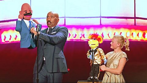 Steve Harvey's Dancing Steals The Show In Puppet Duet With Darci Lynne | Country Music Videos