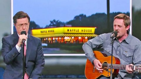 Sturgill Simpson Debuts New Song About…WAFFLE HOUSE? This Will Have You Cracking Up! | Country Music Videos