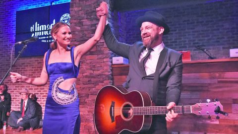 Sugarland Steals CMA Awards Show Thunder By Hinting At Reuniting For New Music | Country Music Videos