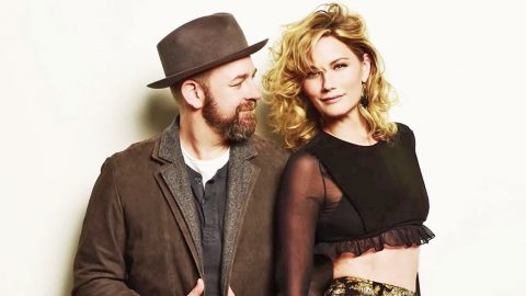 Sugarland Ends Hiatus With Release Of First Single In Over 6 Years | Country Music Videos