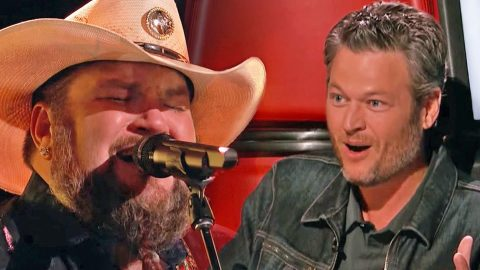 Texas Cowboy Takes Command Of 'The Voice' With Country-Soul Performance | Country Music Videos