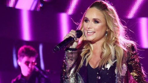 Miranda Lambert Struts Her Stuff During Sassy 'Pink Sunglasses' Performance | Country Music Videos
