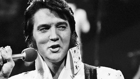 THROWBACK: Elvis Presley Revamps His Career With Mega-Hit 'Suspicious Minds' | Country Music Videos