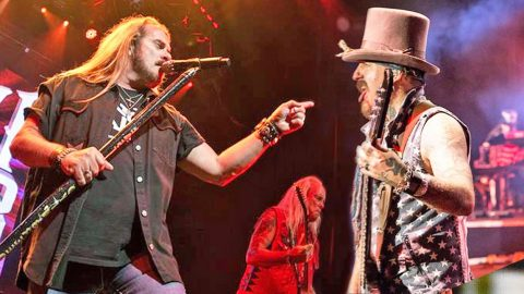Lynyrd Skynyrd's Gritty Recording Proves We All 'Ain't Much Different' After All | Country Music Videos