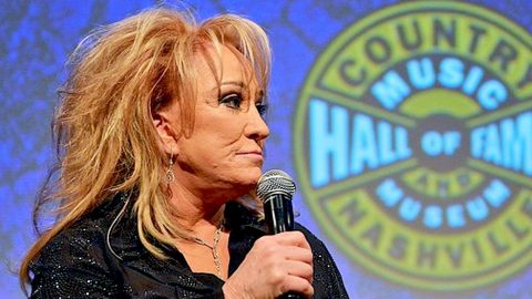 Tanya Tucker Discloses Difficult Battle With Depression | Country Music Videos