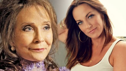 Loretta Lynn's Granddaughter Sings Stunning Song, 'Coal Dust', Dedicated To Her Grandmother (VIDEO)   Country Music Videos