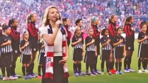 12-Year-Old Tegan Marie Thrills Thousands With Firecracker Performance Of The National Anthem | Country Music Videos
