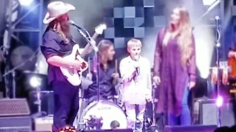 11-Year-Old With Tourette Syndrome Joins Chris Stapleton For Inspiring Duet | Country Music Videos