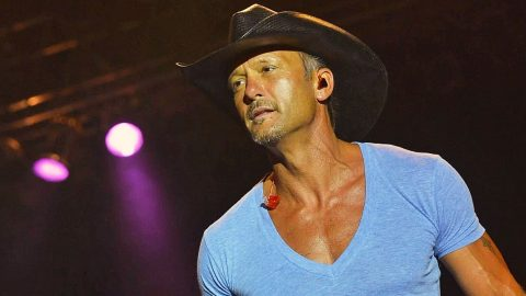 Tim McGraw Demands The Paparazzi Stay Away From His Daughters Following Gracie's Debut | Country Music Videos