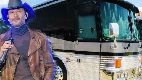 Tour Bus For Sale >> Tim Mcgraw S Old Tour Bus For Sale For Staggering Price Country Rebel