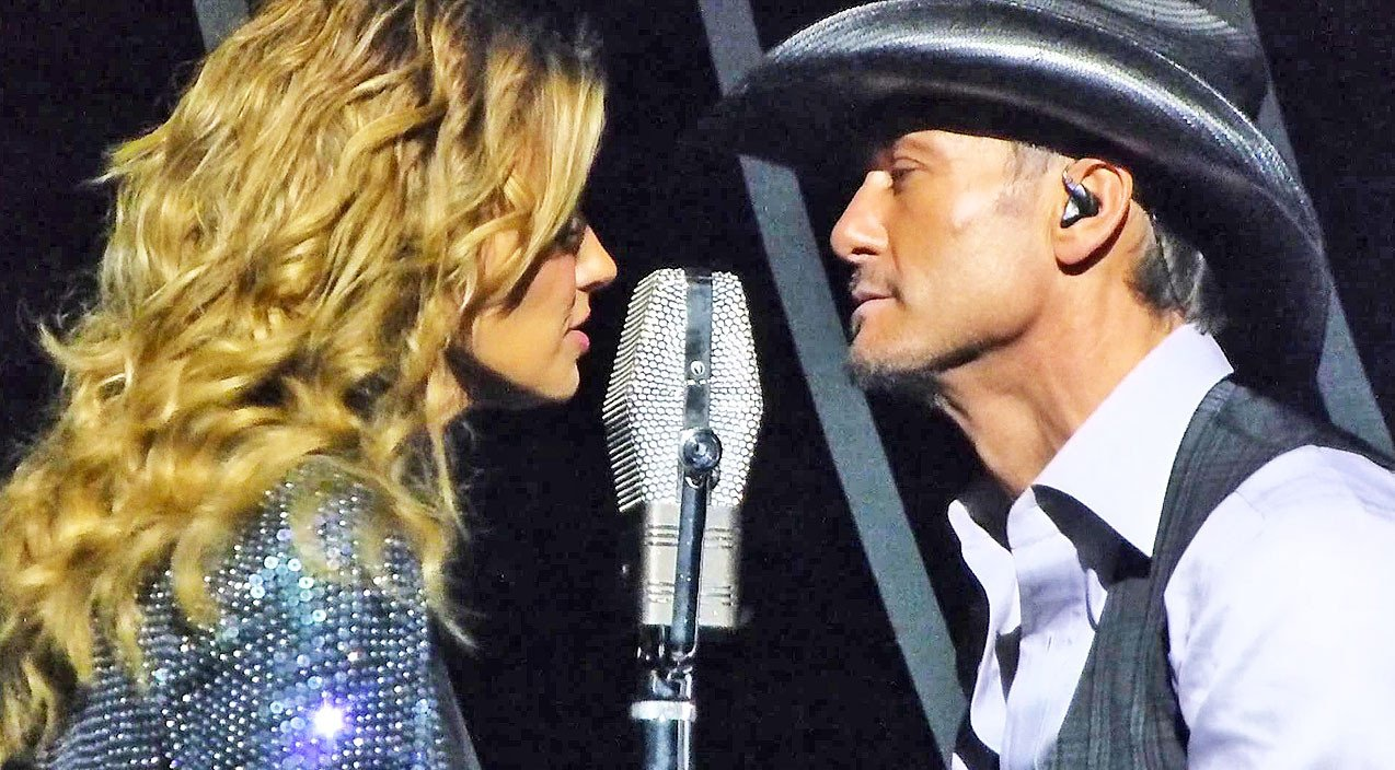 Tim McGraw & Faith Hill Get Hot And Heavy On Stage After