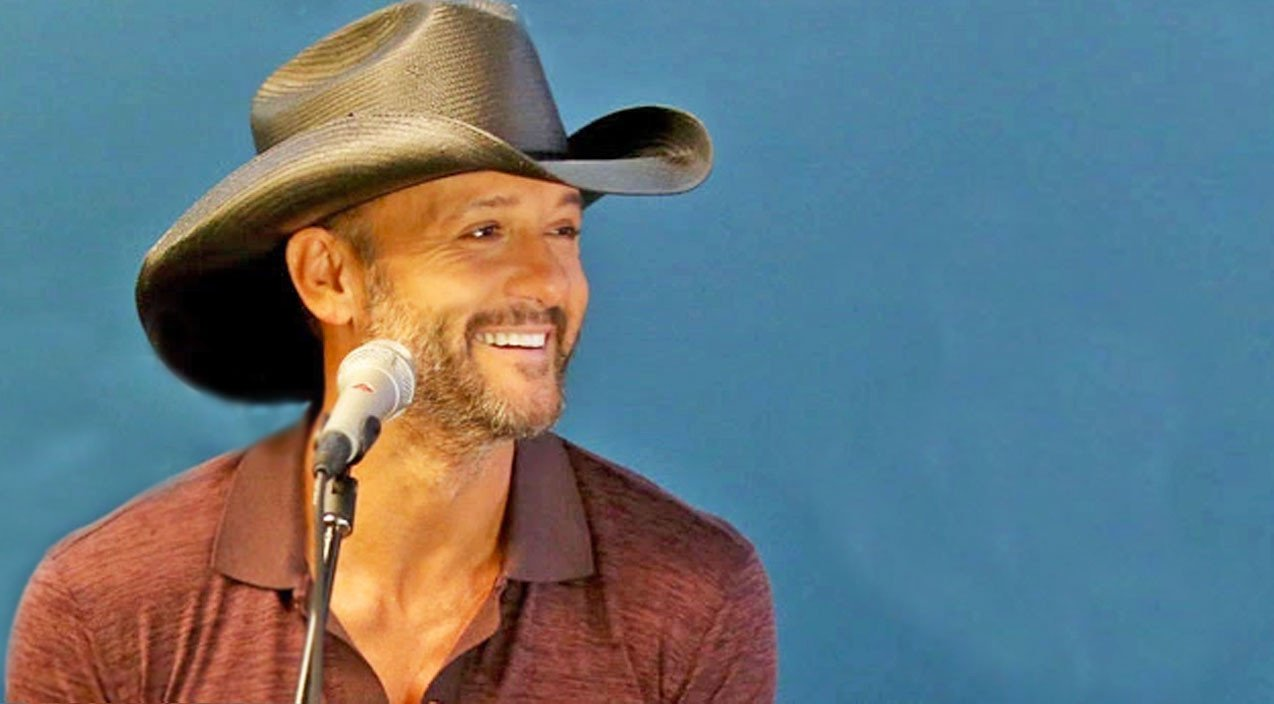 Tim Mcgraw Can T Stop Smiling When Blonde Bombshell Serenades Him With Song About Him Country Rebel