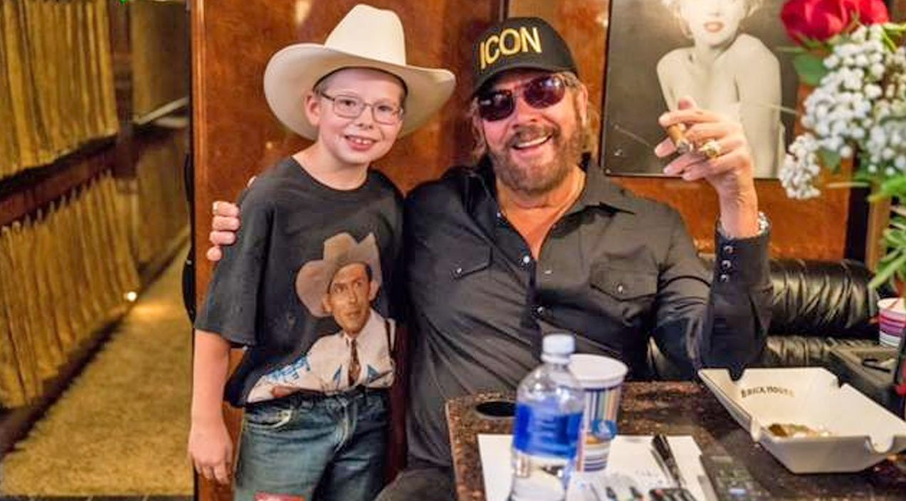 9 Year Old Cowboy Stuns Thousands With Tear In My Beer