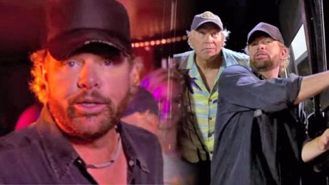 Jimmy Buffett – Too Drunk To Karaoke (Ft. Toby Keith) (VIDEO) | Country Music Videos