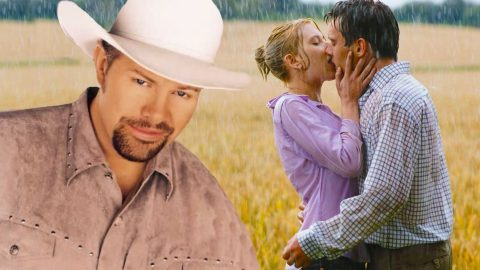 """Toby Keith's Fun Single """"Kissin' In The Rain"""" Will Have Y'all Singing Along (WATCH) 