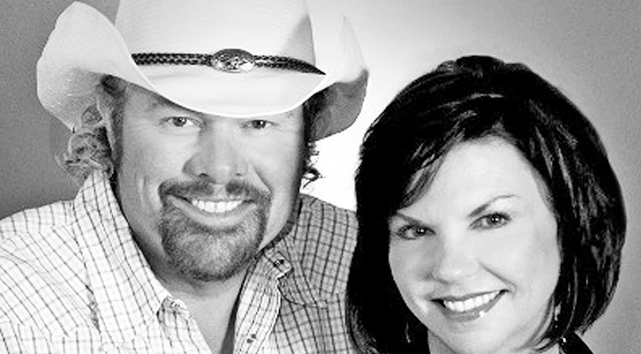 Celebrating Toby Keith Amp Tricia Covel S Love Story Through