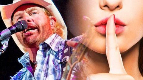 Toby Keith – I Wanna Talk About Me (LIVE at Country Explosion 2014) (WATCH) | Country Music Videos