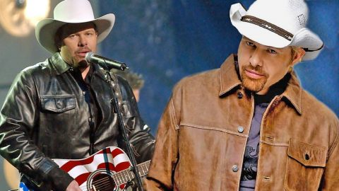 Toby Keith Talks Marriage, His Mullet, And His Restaurant Chain On Talk Show (WATCH) | Country Music Videos