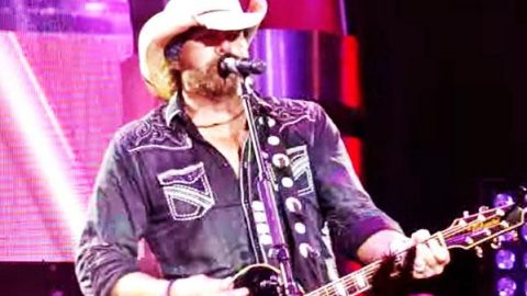 Toby Keith – Beers Ago (San Diego LIVE) (VIDEO) | Country Music Videos