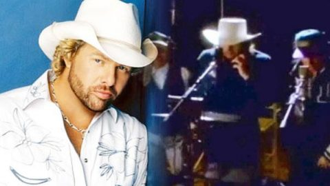 Toby Keith and The Beach Boys – Be True To Your School (VIDEO) | Country Music Videos