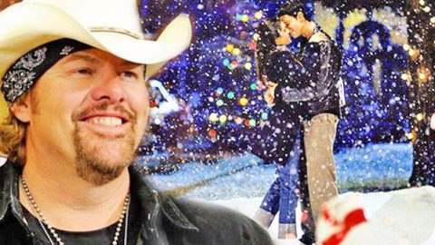 Toby Keith – Christmas to Christmas (VIDEO)   Country Music Videos