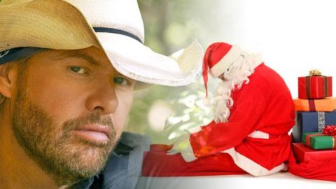 Toby Keith – Please Come Home For Christmas (VIDEO) | Country Music Videos