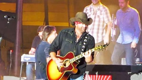 Toby Keith – Haven't Had a Drink All Day (LIVE) (VIDEO) | Country Music Videos