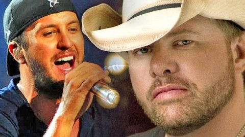 """Luke Bryan Covers Toby Keith's """"Should've Been A Cowboy"""" (Live) 