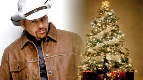 Toby Keith – Rockin' Around The Christmas Tree (VIDEO) - Toby Keith €� Rockin' Around The Christmas Tree (VIDEO) Country Rebel