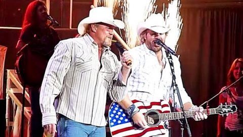 Toby Keith & Trace Adkins – Courtesy of the Red, White, & Blue (WATCH) | Country Music Videos