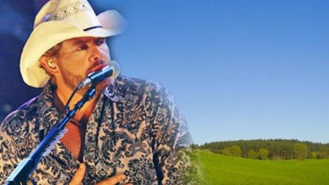Toby Keith and Willie Nelson – Uncloudy Day (From Broken Bridges) (WATCH) | Country Music Videos