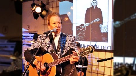 Tommy Cash Pays Tribute To Late Brother With Incredibly Personal Song | Country Music Videos