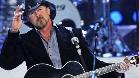 The Working Class Earns A Tip Of The Hat From Trace In Gritty Tribute Song, 'Working Man's Wage' | Country Music Videos