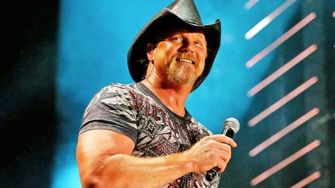 Trace Adkins Selected To Recieve Prestigious Award | Country Music Videos