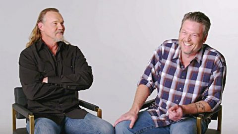 "Blake Shelton & Trace Adkins Say It Was ""Awkward"" Filming The ""Hillbilly Bone"" Music Video 