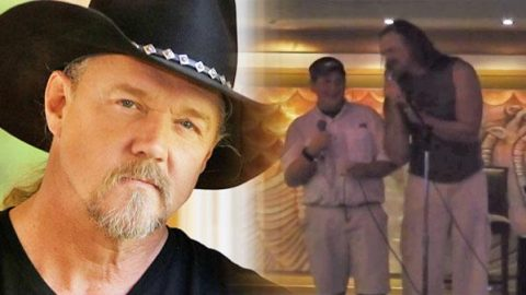 """Trace Adkins Surprises Man With Duet To """"Don't Close Your Eyes"""" (VIDEO) 
