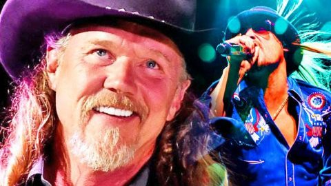 "Trace Adkins and Kid Rock Sing ""Long-Haired Country Boy"" (LIVE) (WATCH) 